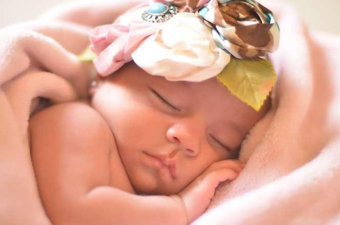 婴儿大小脸怎么办婴儿大小脸还要注意什么